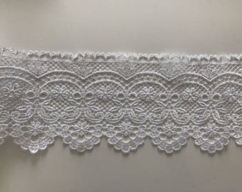 12 cm wide white guipure lace quality