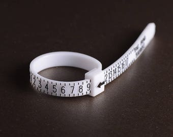 Ring sizer - Adjustable plastic ring size finder