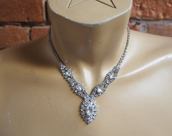 Women's Vintage Matching Silver And Jewel Necklace And Bracelet Set