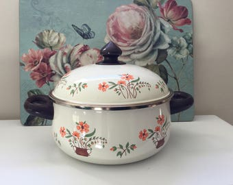 Vintage 'Countryside Collection' Enamel Saucepan and Lid