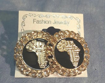 Sliver or Gold plated Africa stud earrings