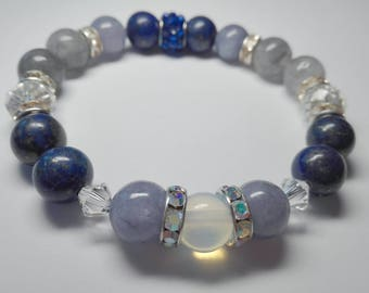 Ladies bracelet with lapis lazuli