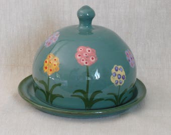 Butter dish. Handmade butter or cheese dome. Butter pot. Cheese bell. Primula design. Gift for gardener. Green butter dish.