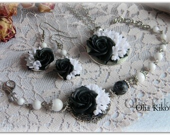 SALE!!! Set in black and white color from polymer clay and frosty agate. Vintage jewelry with black roses.Mothers Day, St Patricks Day