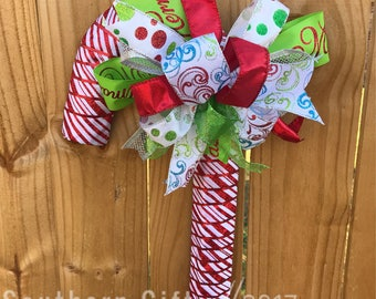 Candy cane door hanger, cnady cane wreath, christmas wreath, front door wreath