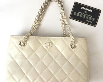 CHANEL Auth Mini Chain Hand Bag Shiny White CC Party Vintage Matelasse