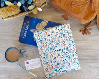 Flora BookBud book sleeve