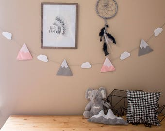 Felt Snowcapped Mountain Banner / Light Gray and Light Pink /Nursery and Children Mountain Garland/Baby Shower Decoration/ Scandi Style