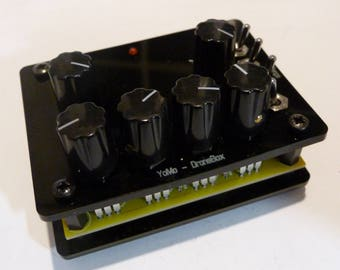 PREBUILT: DroneBox - 4 oscillator, CMOS-based drone synthesiser