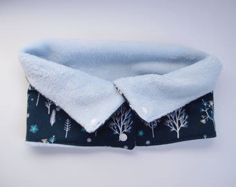 Tour de cou - snood  à pressions - bleu marine et bleu ciel et blanc - enfant 6-12ans - coton et polaire doudou - motif forêt