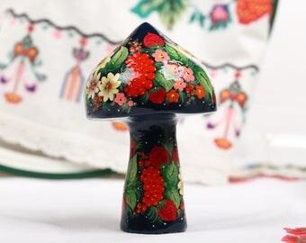 Petrykivka Collectible Art Figurine Gift Petrykivka Painting Art Decor Handmade Figurine Home Decor