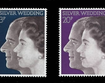 Great Britain 1972 silver wedding of Queen Elizabeth II and Prince Philip set of two mint stamps.  Ideal for collector or for craft work.