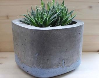 Medium Square Concrete Pot