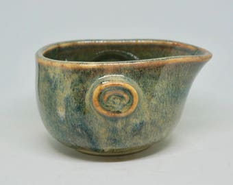Japanese Ceramic Pouring Cup For Sauce and Liquid/Katakuchi