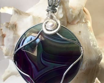 Pendant with freshwater pearl
