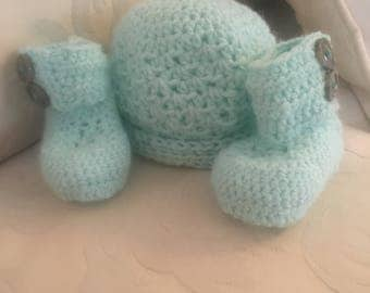 Crochet Baby Booties and Hat