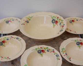 Royal Doulton Hadley D5728 Vintage Fruit bowl with 5 side bowls