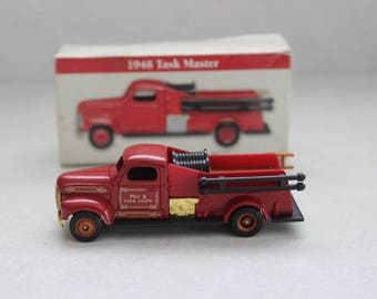 1999 The Readers Digest 1954 Ahrens-Fox Fire Engine