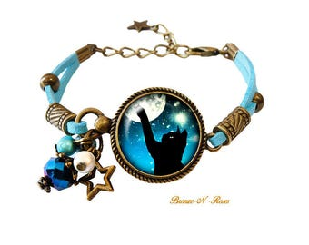 Cat in the Moonlight blue glass cabochon bronze bracelet