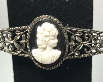 1970s | Vintage Hair Barrette | Cameo