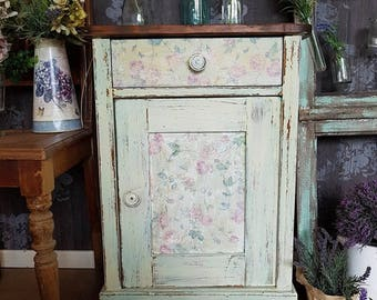 Romantic shabby chic side table from 1930