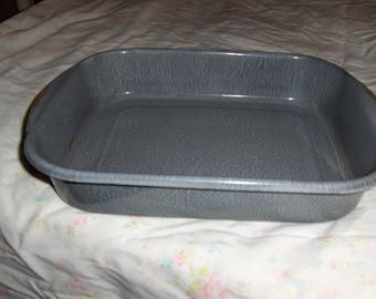 "11 1/2"" x 8 1/2"" x 2"" graniteware cake baking dish in gray"