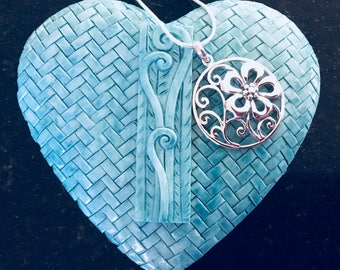 SOLID STERLING SILVER -  Stunning Elegant Flower Love Pendant