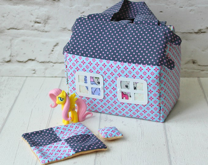 Fabric dollhouse Soft dollhouse Travel toy Gift for girl Dollhouse Kit