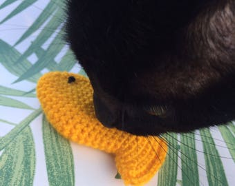Catnip toys - cat toy - handmade cat toys - cat present - fish cat toy - cat fishy - crochet cat toy - yellow cat toy - catnip