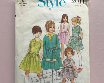 Style 2011 Retro Vintage 1960's Child's Dress, Girl's, Party, Peter Pan Collar, Gathered Waist, Sewing Pattern Size 6
