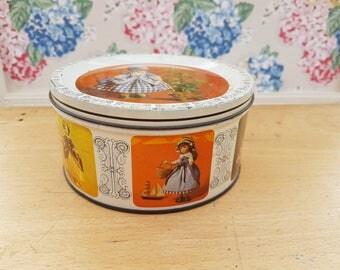 Vintage Quality Street tin, Mackintosh's.