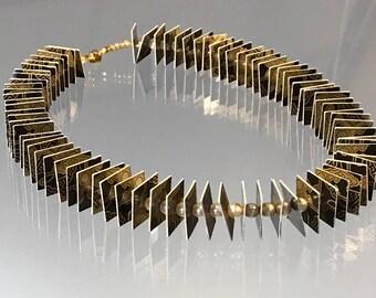 Spielkarten, Papier, Halskette, Unikat, handmade, federleicht, Recycling Jewellery, Glasperlen,  schwarz-gold,Perlen, einmalig