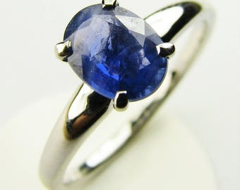 14K white gold 1.02ct natural cornflower blue sapphire solitaire ring.