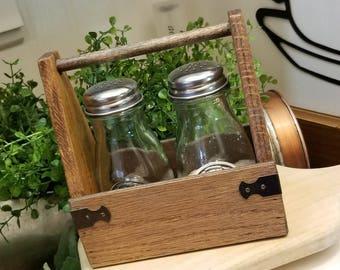 Farmhouse Salt & Pepper Caddy
