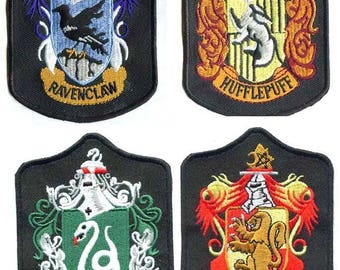 Harry Potter Gryffindor/Hufflepuff/Ravenclaw Embroidery Iron Patches Crest Badge
