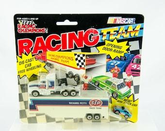 Racing Champions Racing Team Transporter Richard Petty STP 1/64 Scale Diecast