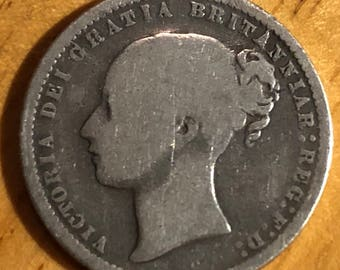 1872 .925 silver queen Victoria young bun head shilling coin die number 4