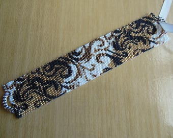 Peyote stitch gold/pearl bracelet