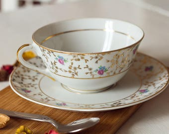Large coffee mug, tea or lunch patterned porcelain, floral and gold