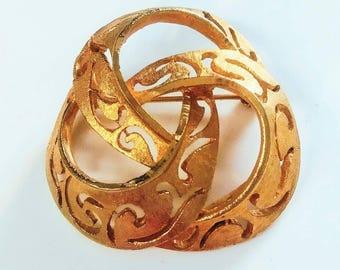 Vintage Signed BSK Swirl Brushed Gold Tone Brooch