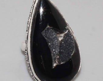 Silver and onyx druzy size 56
