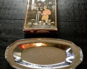 Vintage Irvinware Bread Tray in Original Box. Vintage Bread Tray. Silver Serving Tray