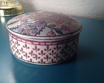 Beautiful Toyo trinket box