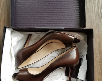 Brand New Prada Chocolate Leather Peep Toe Pump Size EU 39
