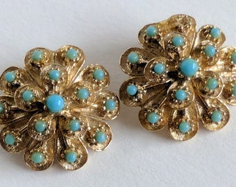 Pair of Vintagr Gold and Sea-foam Green Cluster Floral Goldette Stamped Clip On Earrings. | Vintage Earrings | Mid Century Fashion