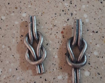 Reef knot key chains