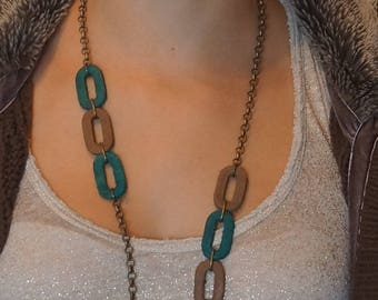 Leather oval necklace