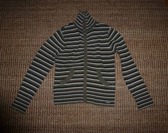 Knaguruh jacket pullover size 40, small fails S. Oliver