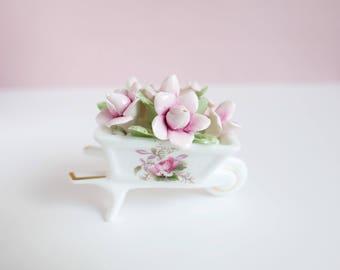 Royal Albert Wheelbarrow //  Old Rose Flowers // Bone China England