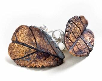 Porcelain leaf-shaped earring black